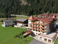 Urlaub Reisen  Österreich Tirol Tux Alpinhotel Berghaus