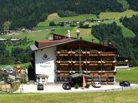 Urlaub Reisen  Österreich Tirol Zell am Ziller Familienhotel Dörflwirt
