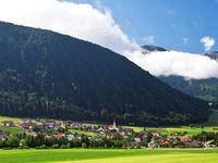Urlaub Reisen  Italien Südtirol Rasen