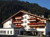 Urlaub Reisen  Österreich Tirol Nauders Hotel Bergblick
