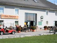 Urlaub Reisen  Österreich Oberösterreich Kronstorf Hotel Golfpark Metzenhof-Paket Greenfee