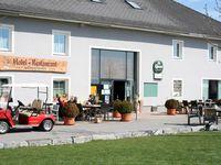 Urlaub Reisen  Österreich Oberösterreich Kronstorf Hotel Golfpark Metzenhof-Paket Golfkurs