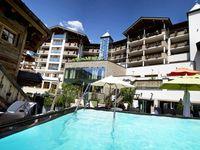 Urlaub Reisen  Österreich Salzburger Land Saalbach-Hinterglemm Hotel Alpine Palace