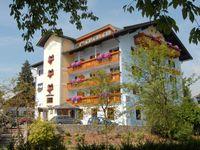 Urlaub Reisen  Österreich Tirol St. Johann in Tirol Aktivhotel Crystal