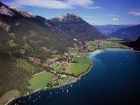 Urlaub Reisen  Österreich Tirol Maurach