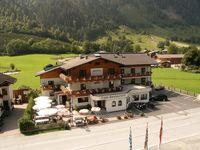 Urlaub Reisen  Österreich Salzburger Land Fusch am Großglockner Hotel Wasserfall
