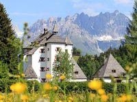 Urlaub Reisen  Österreich Tirol Kitzbühel Hotel Schloss Münichau