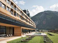 Urlaub Reisen  Österreich Osttirol Kals am Großglockner Chalet Gradonna Mountain Resort