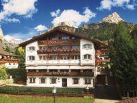 Urlaub Reisen  Italien Südtirol Wolkenstein Hotel Astor