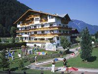 Urlaub Reisen  Österreich Tirol Kirchdorf Hotel Gasthof Neuwirt