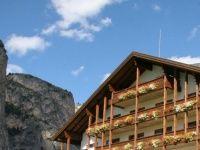 Urlaub Reisen  Italien Südtirol Wolkenstein Hotel Alaska